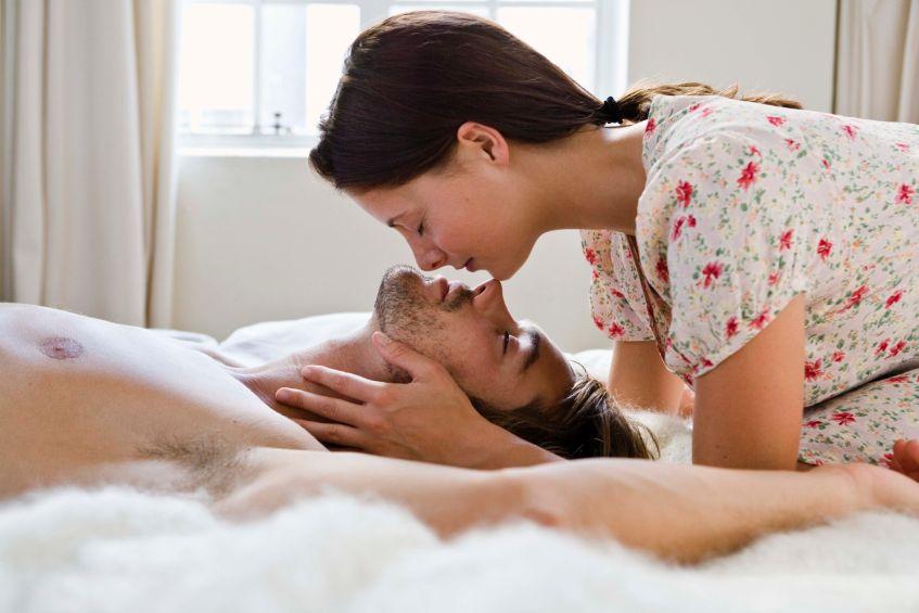 Как девушке быть страстной в постели