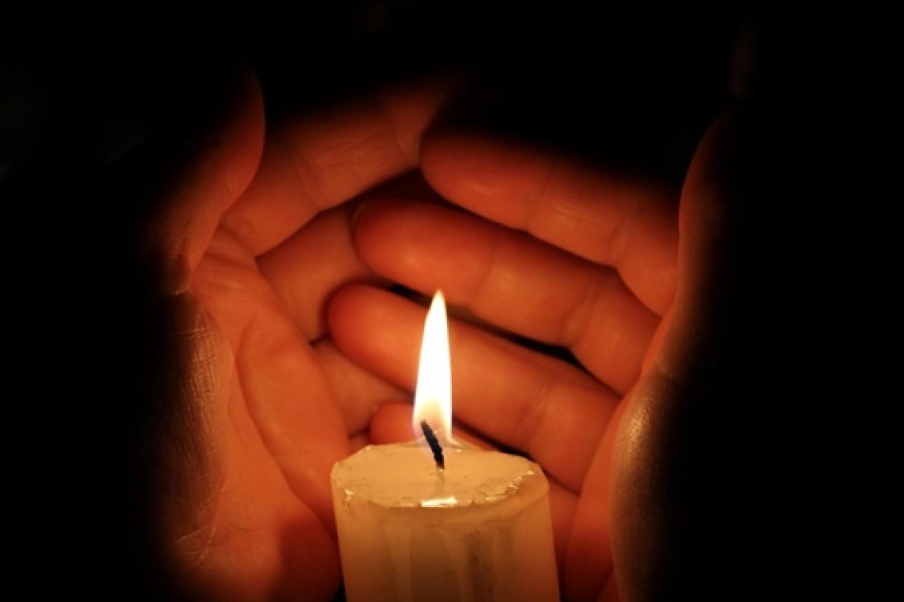 Открытки со свечами поминальные