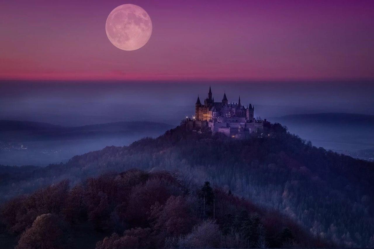 Замок в ночи красивые картинки