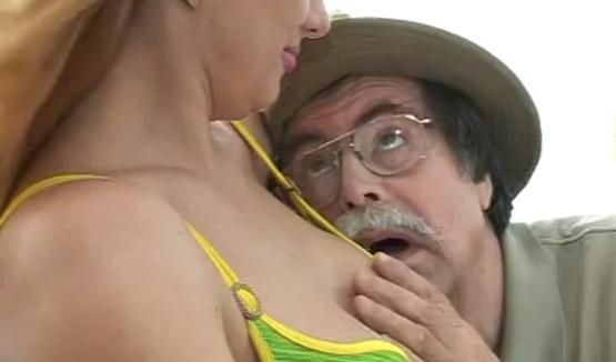 porno-video-ded-i-sluzhanka