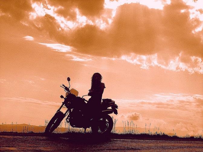 Фото девушек на аву байкер