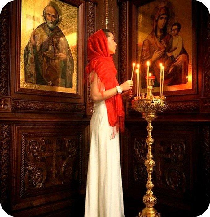 Девушка в храме картинки