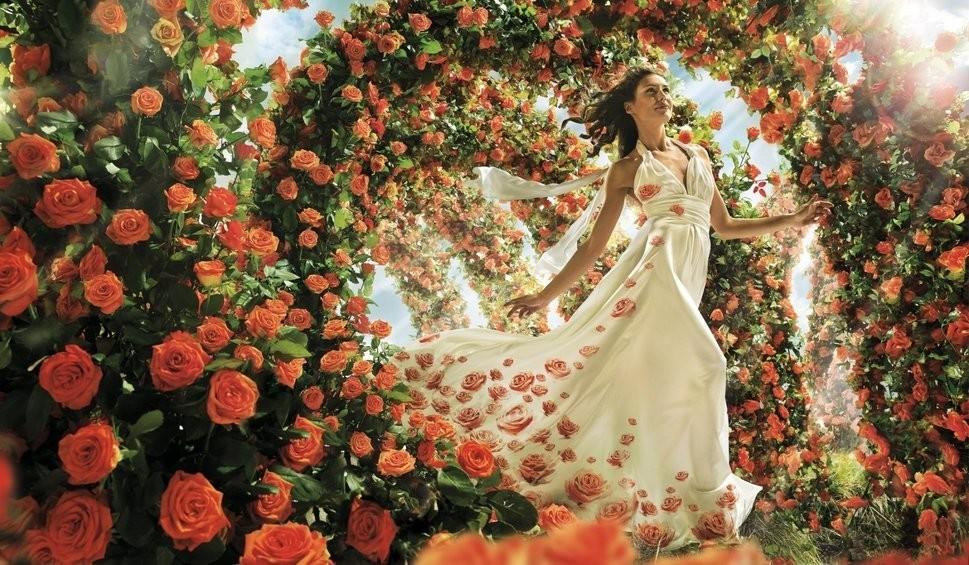 С цветами женщину сравните... )(Игорь Апрельский 5909