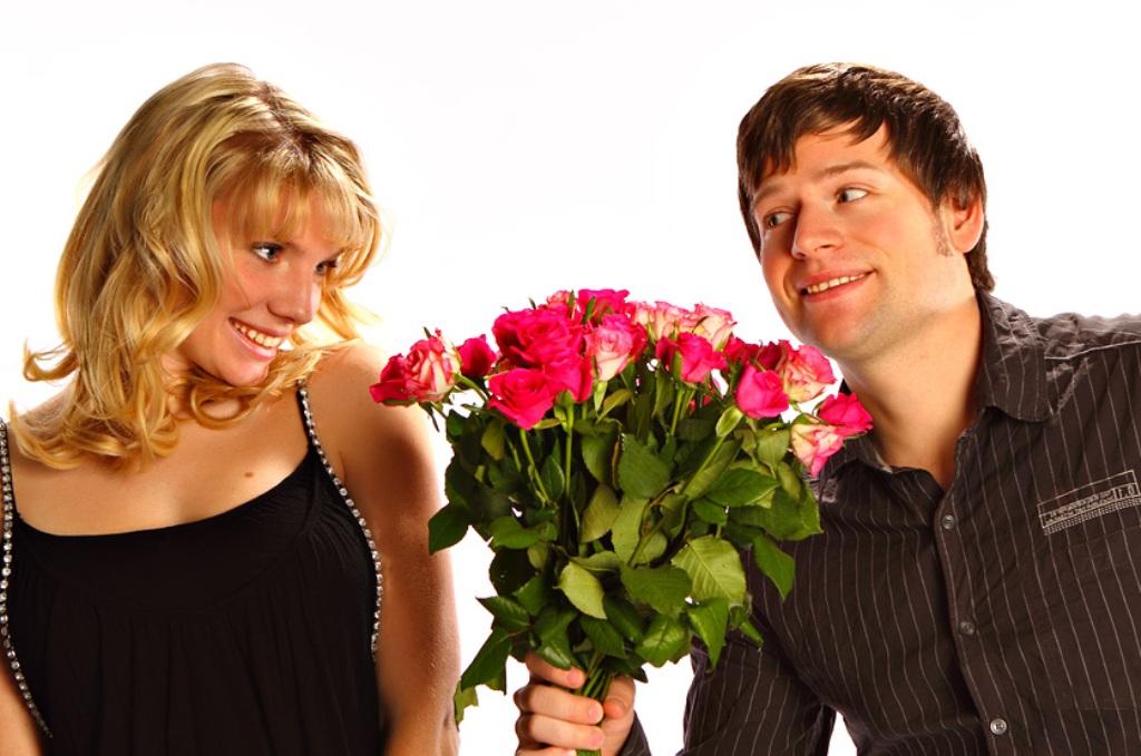 при дарить сколько цветов знакомстве девушке