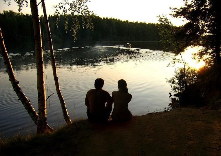 члена видео парень с девушкой на озере видео можем