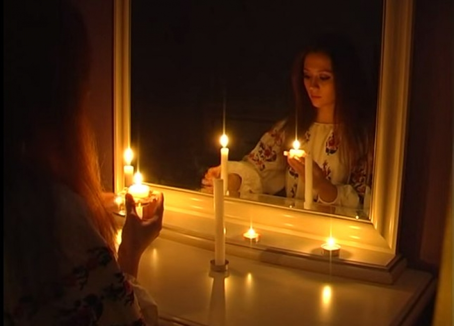 Картинка со свечой и зеркалом