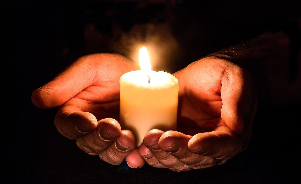 Открытки со свечами поминальными, бодибилдинге