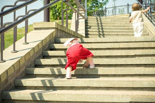 Сонник идти вверх по ступенькам