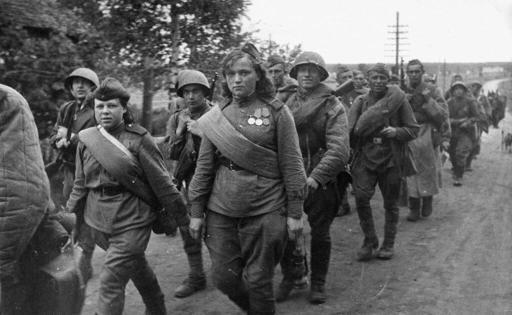 Открытки, картинки женщина и война 1941-1945