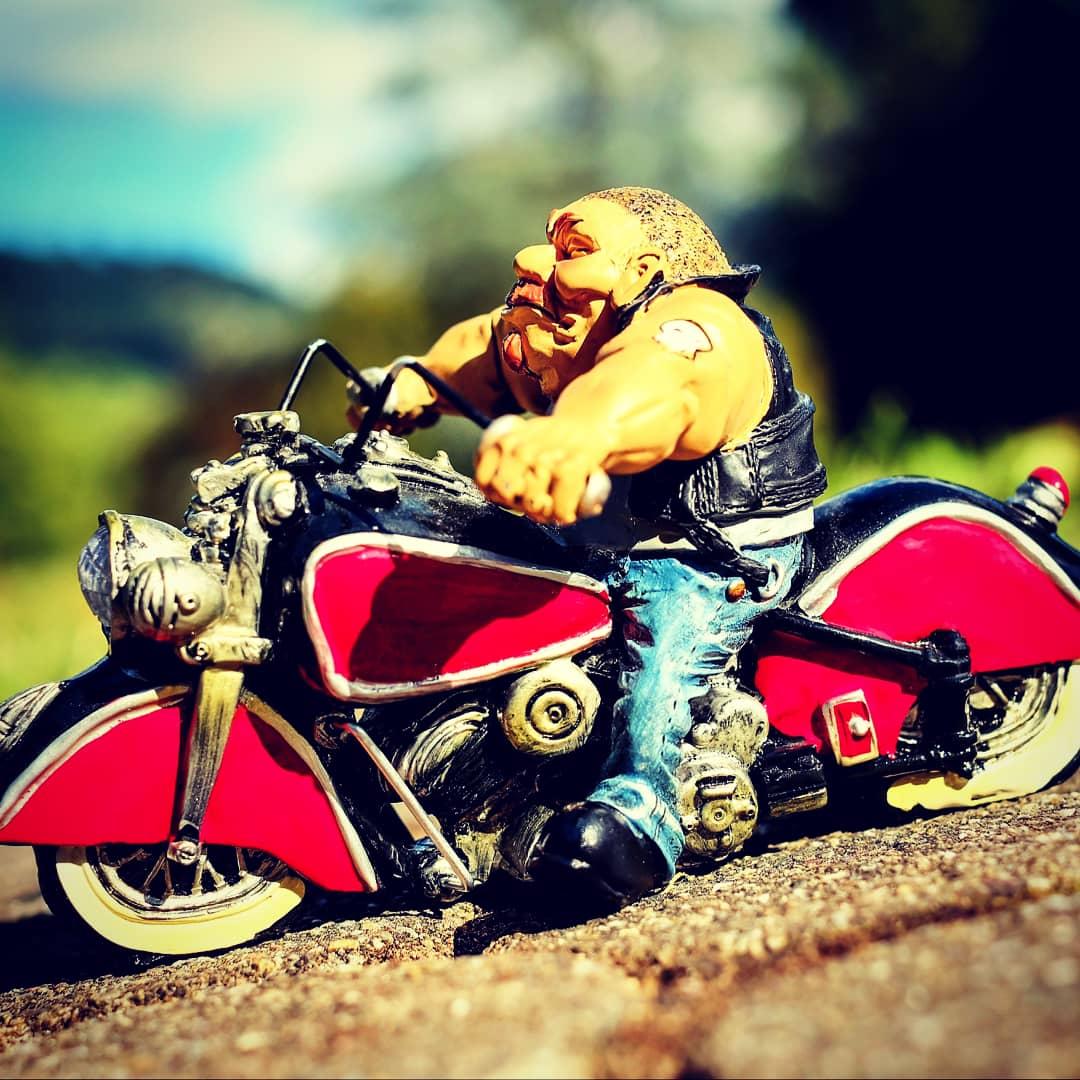 С днем рождения мотоциклисту короткие
