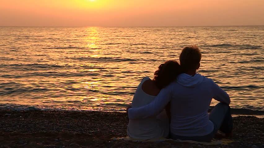 Фото вдвоем на закате моря давайте сей