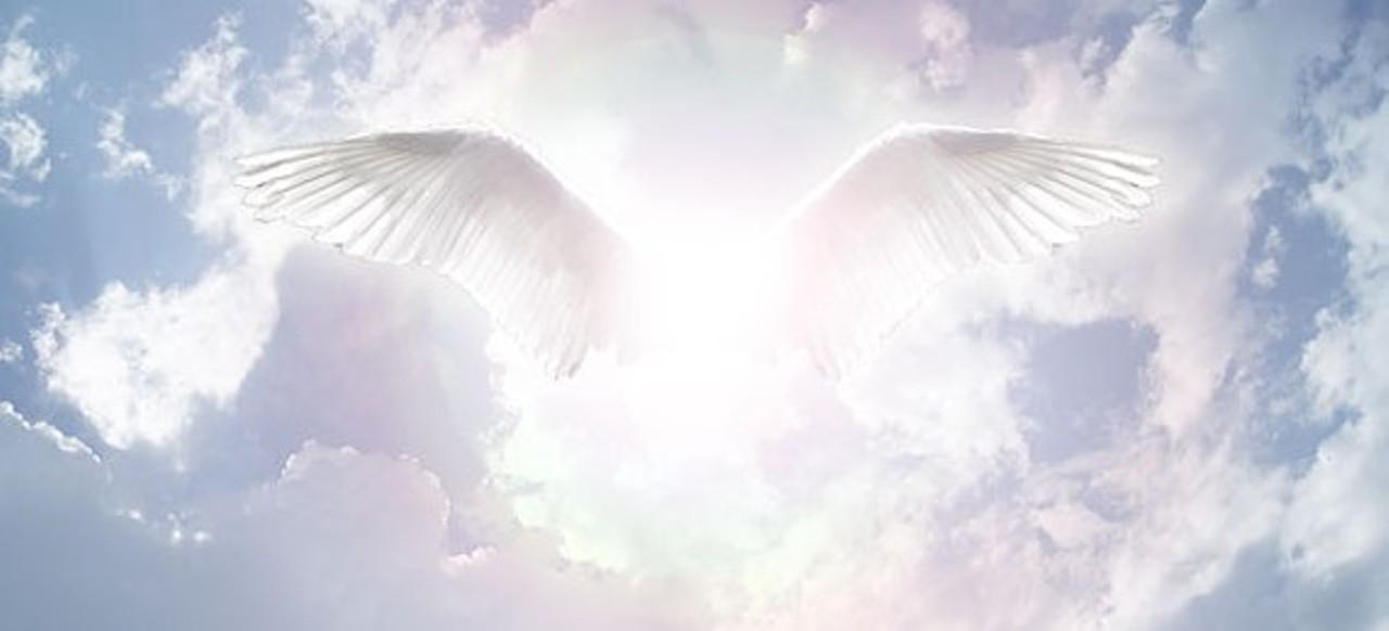 картинка крылья ангела в небе пожалуйста
