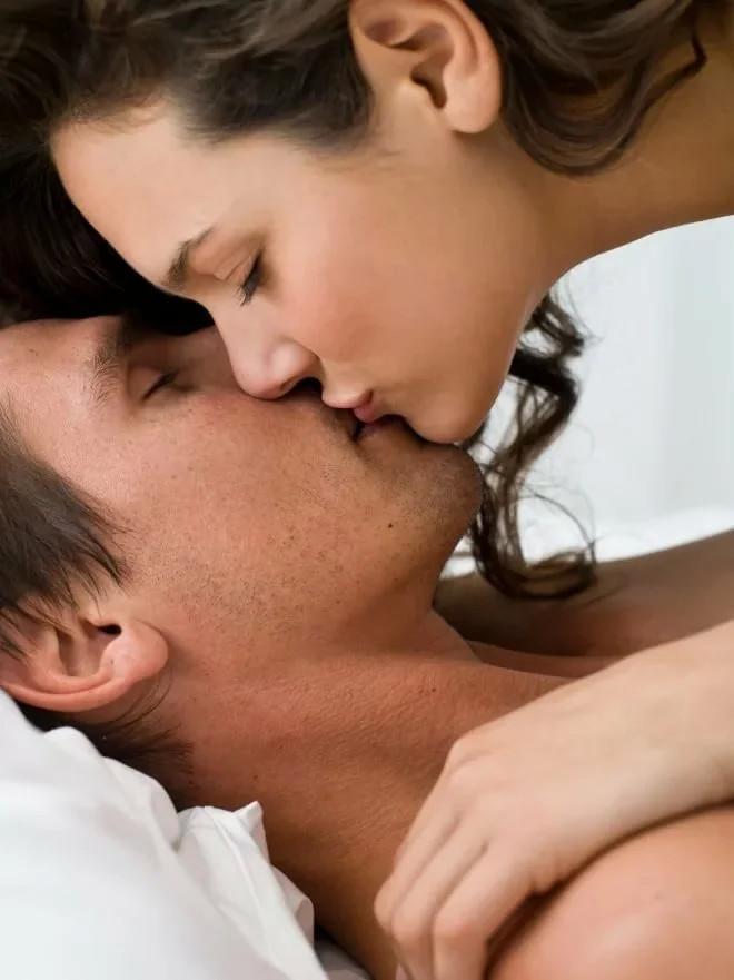 деталей крупным утренний поцелуй гиф фото зависимости