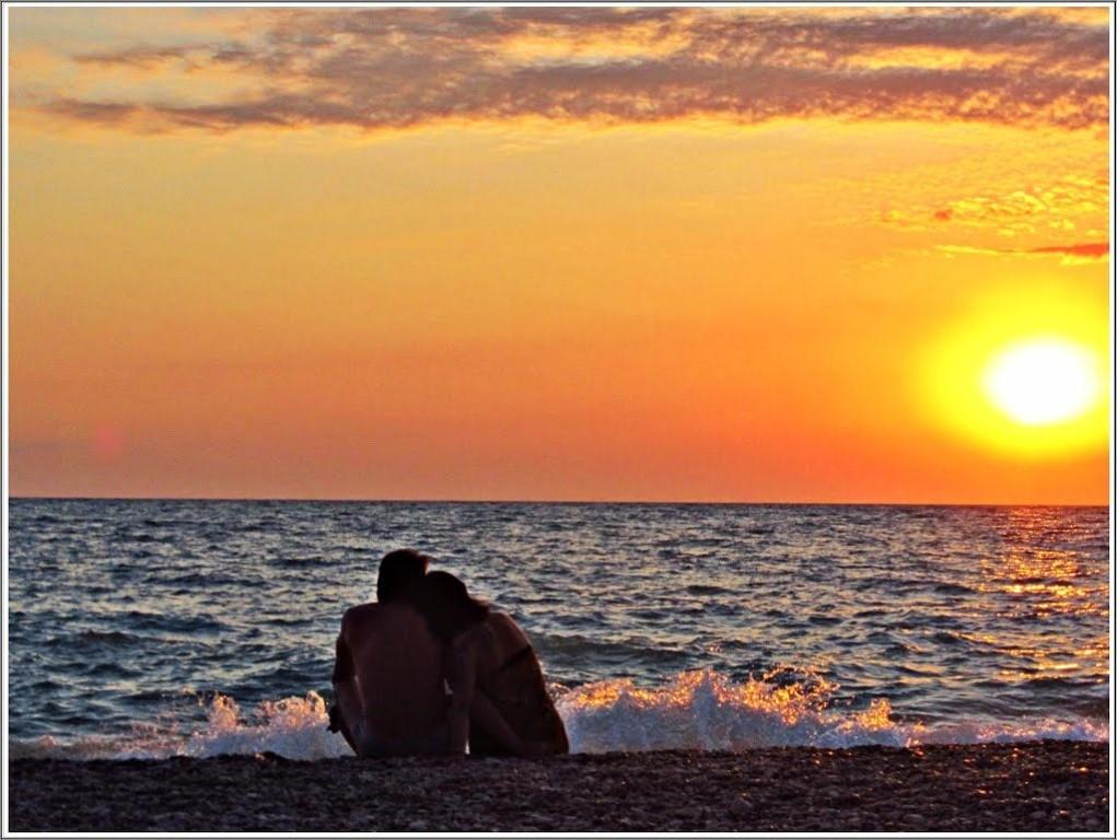 совместных картинки рассвет на море вдвоем гнушался даже