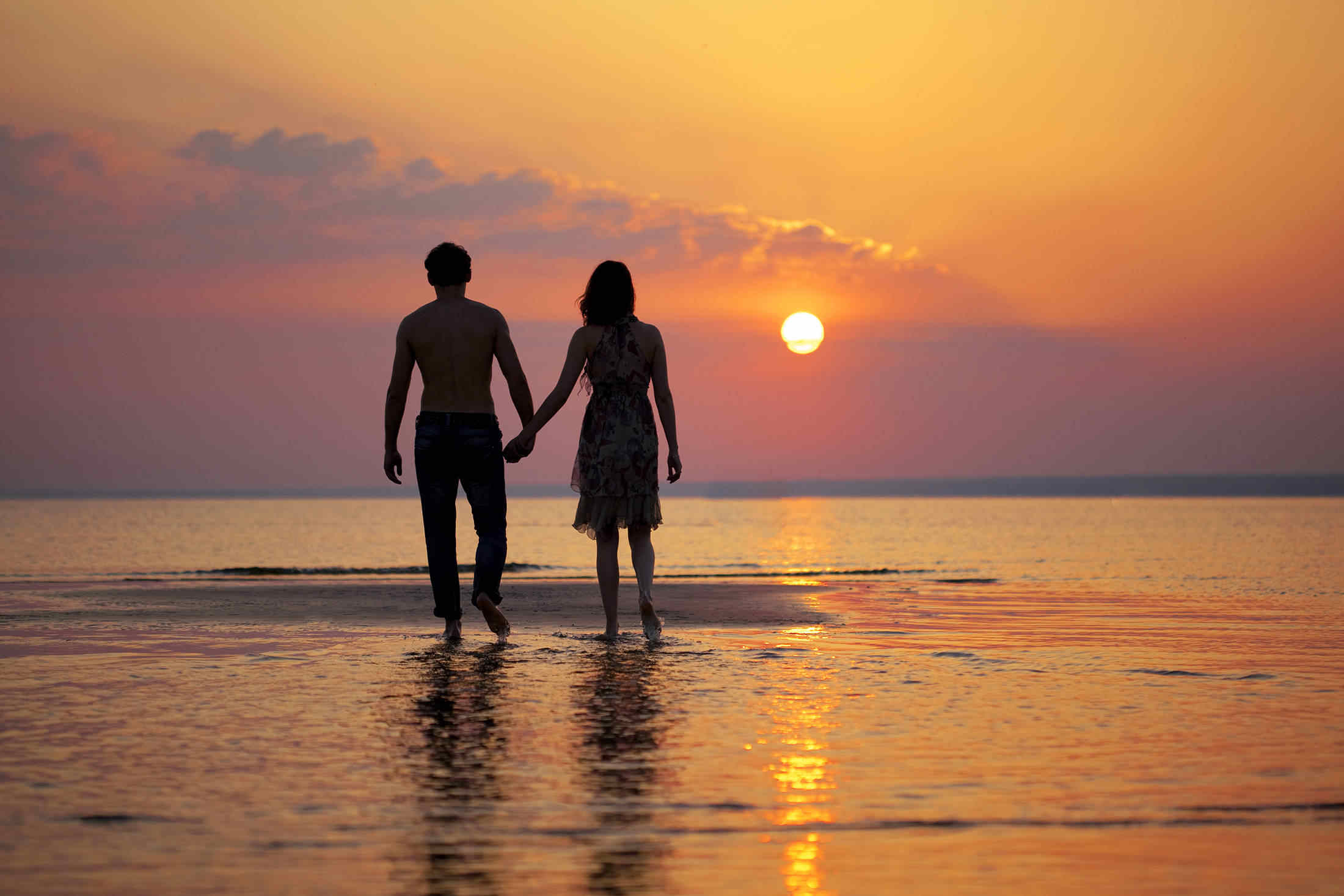 картинки о любви двое навсегда привыкли видеть