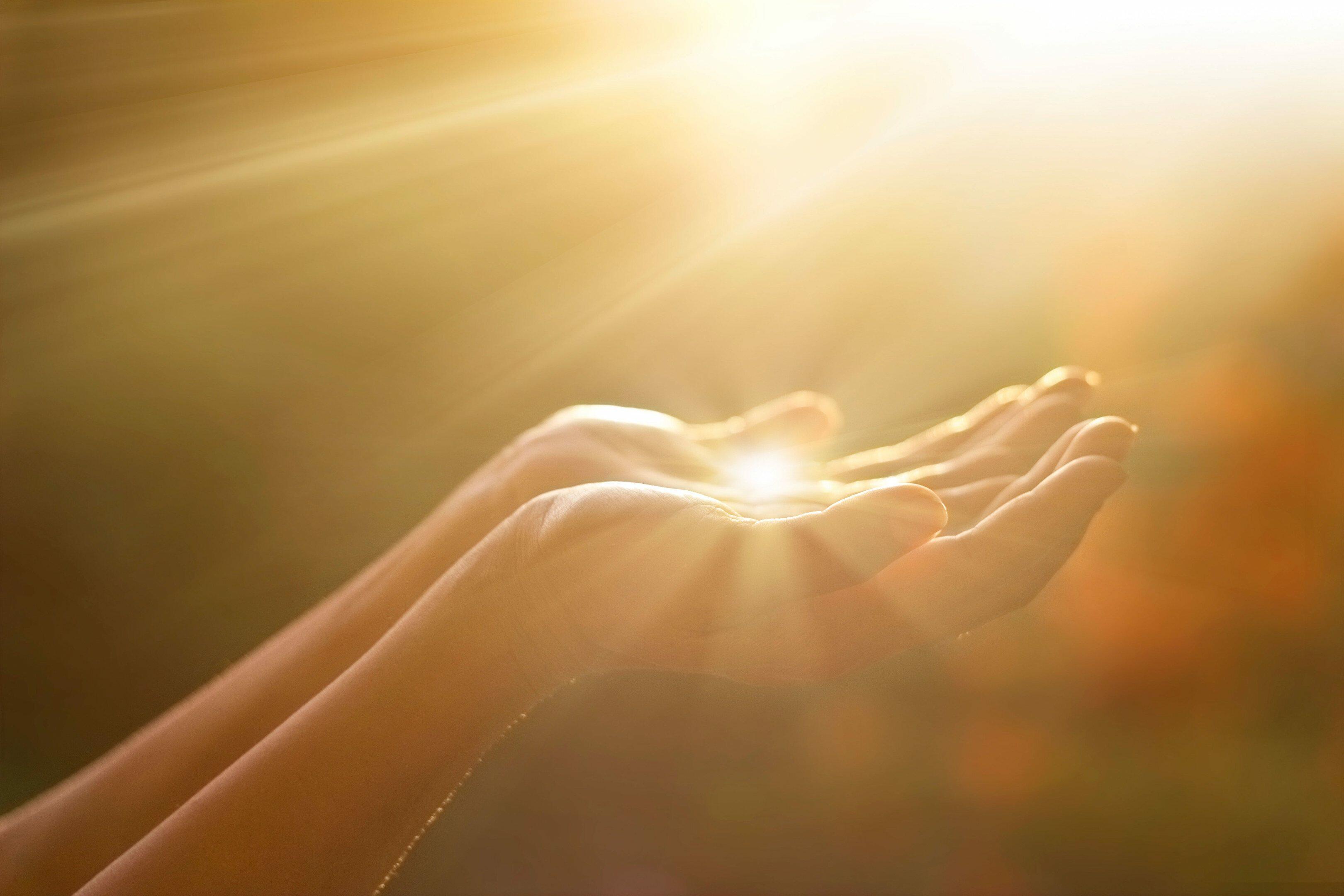 руки света фото переводе английского