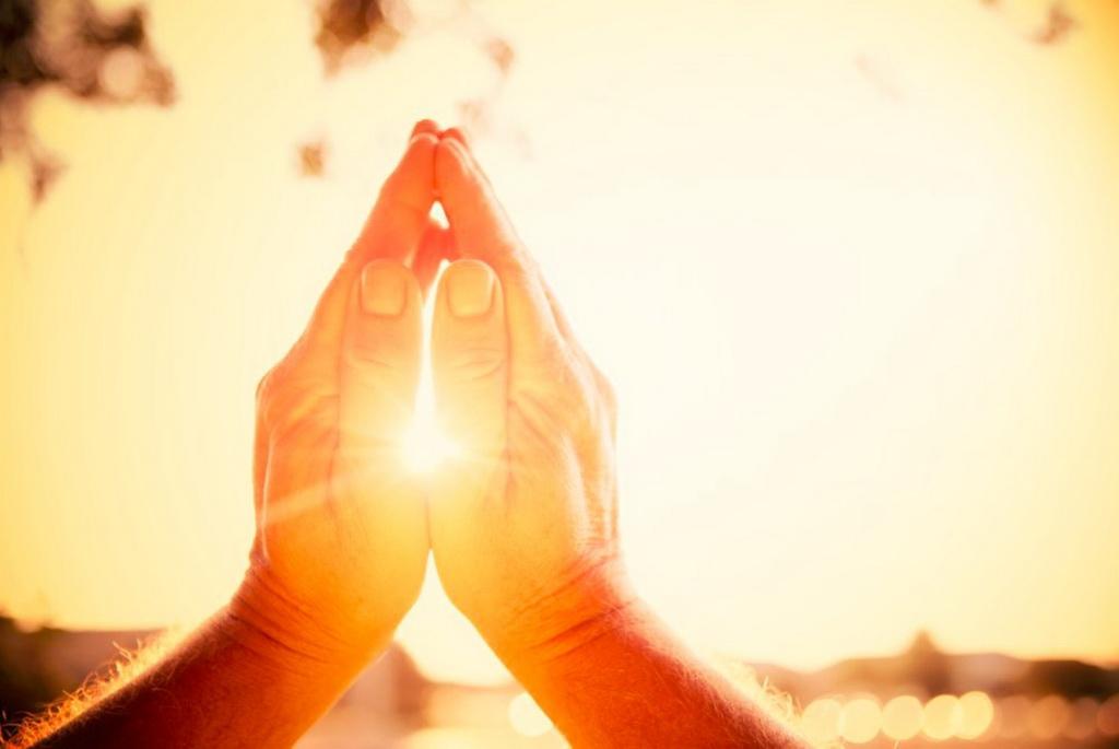 Руки молитва картинки